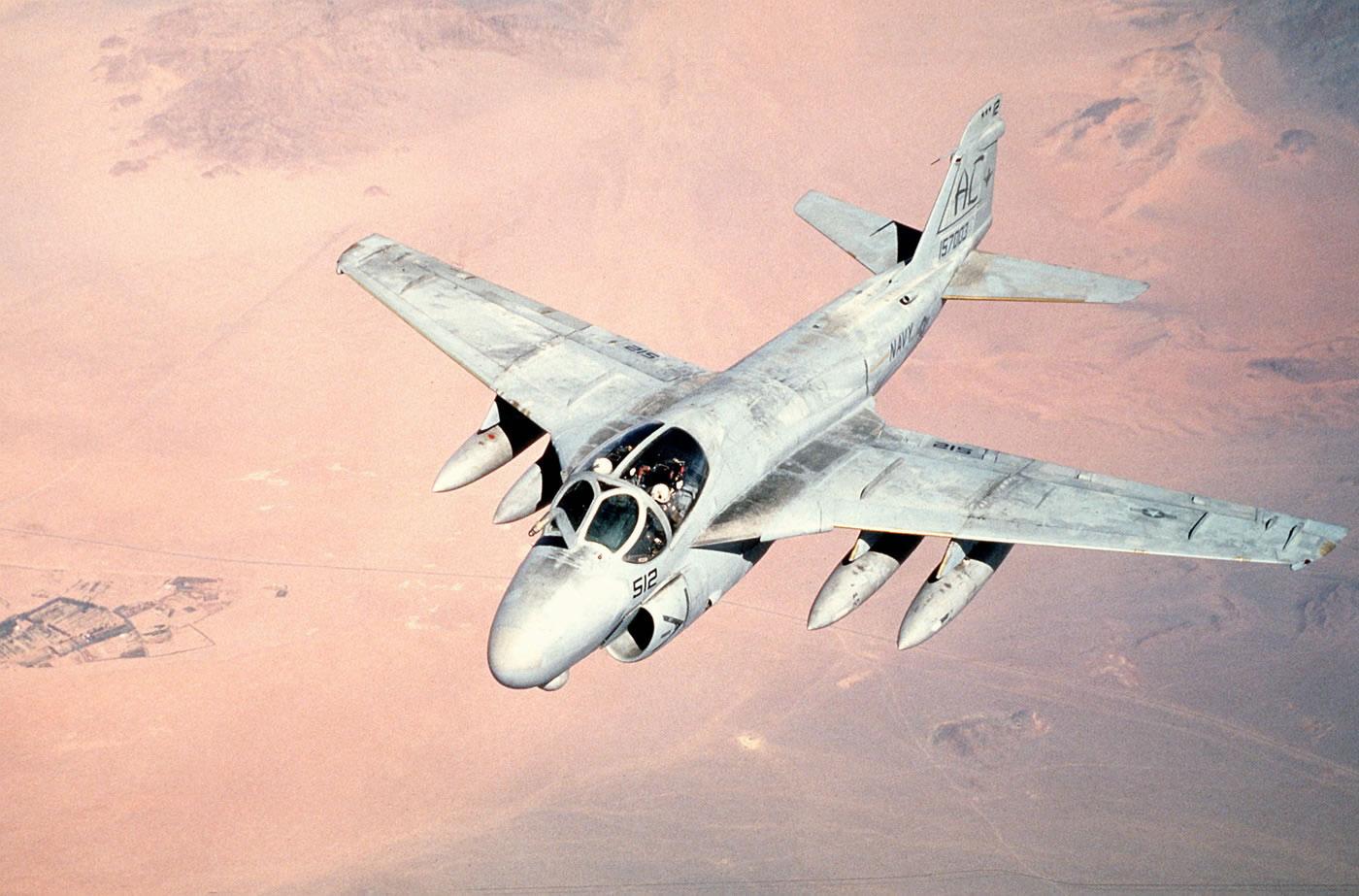 Grumman A-6 Intruder y EA-6B Prowler A-6_02