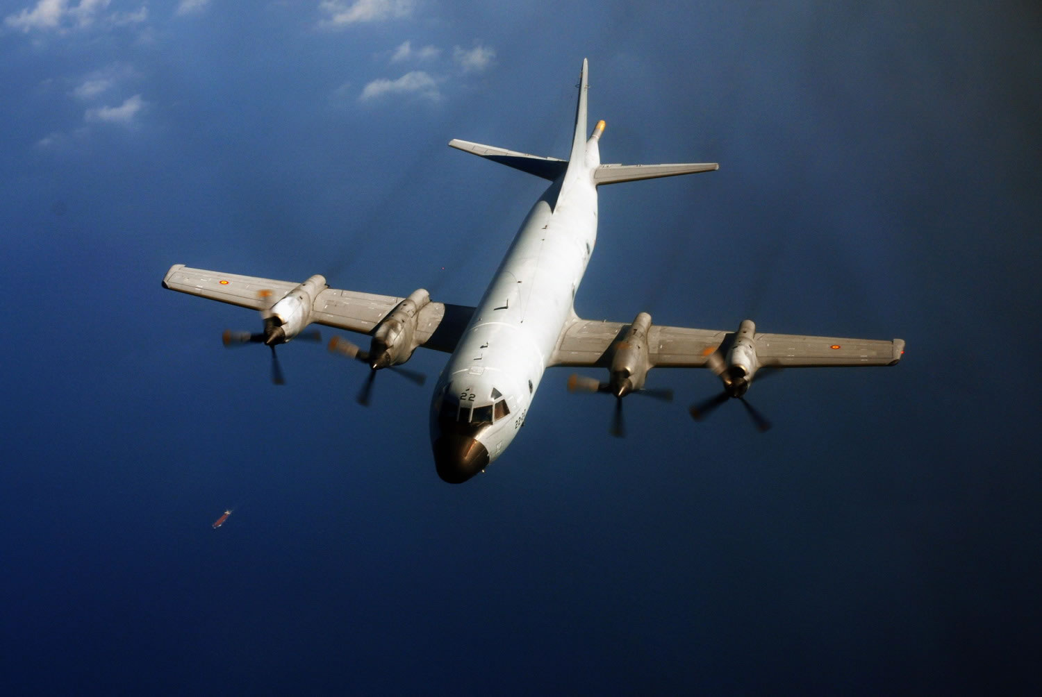 http://www.aircraftinformation.info/Images/P-3_Orion_09.jpg