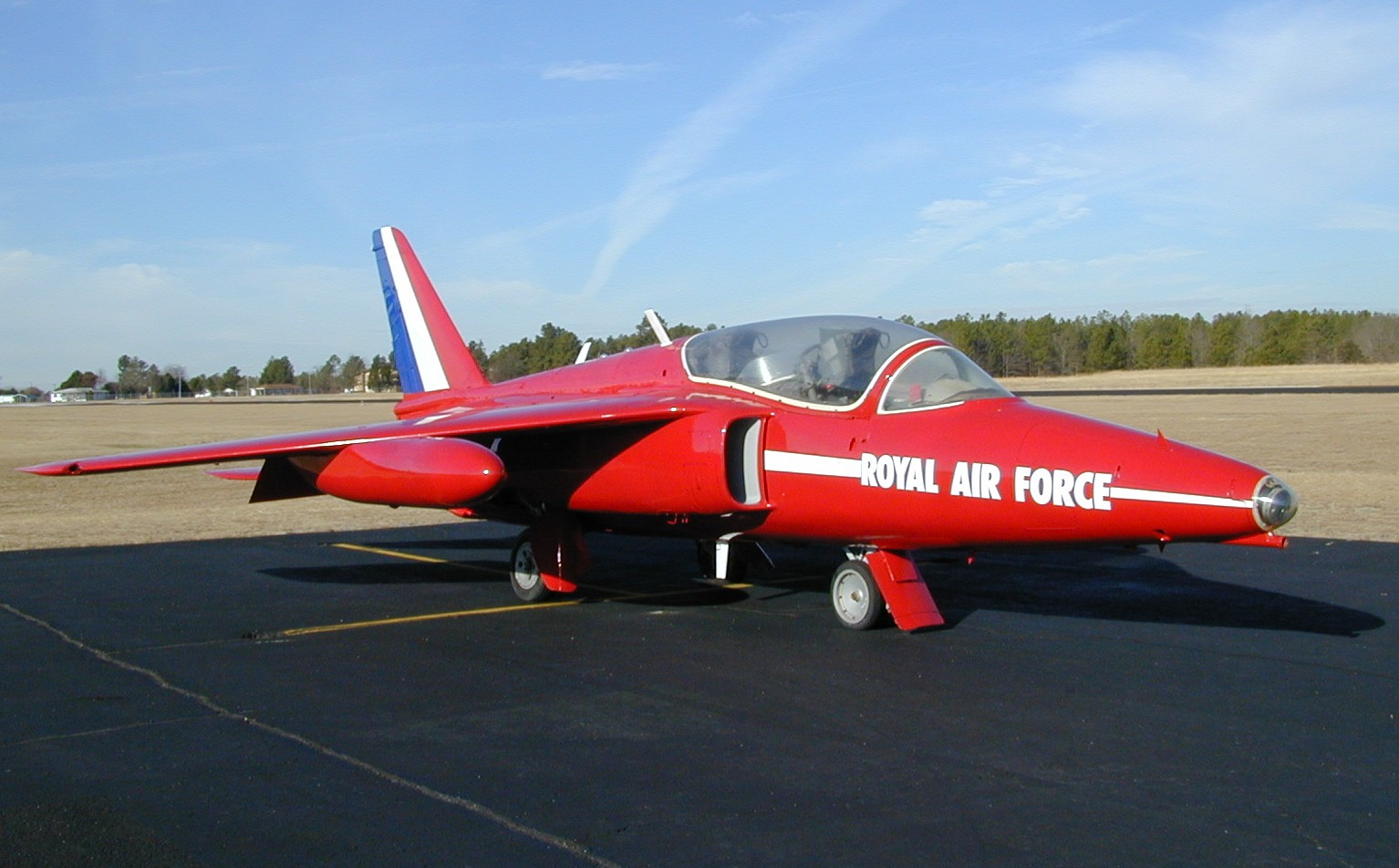 Folland gnat t1 raf old military aviation pinterest raves folland gnat and for sale